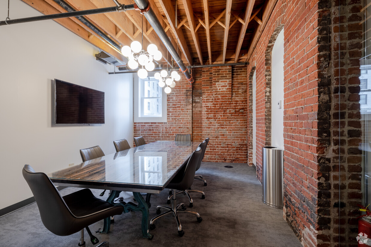Large conference room for rent in Denver coworking sapce